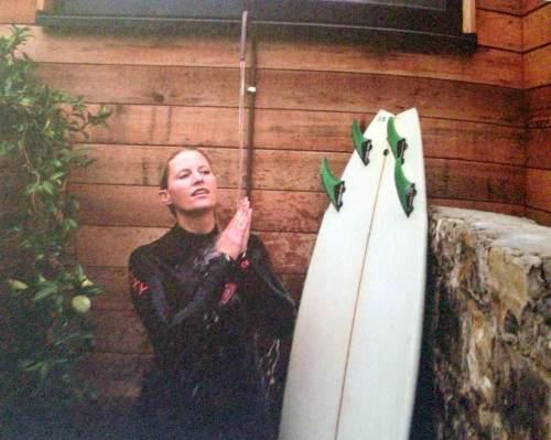 SurfCafe_OutdoorShower
