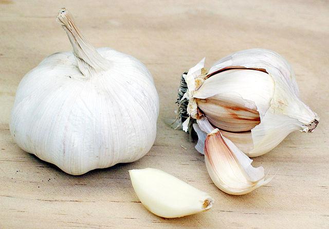 640px-Garlic